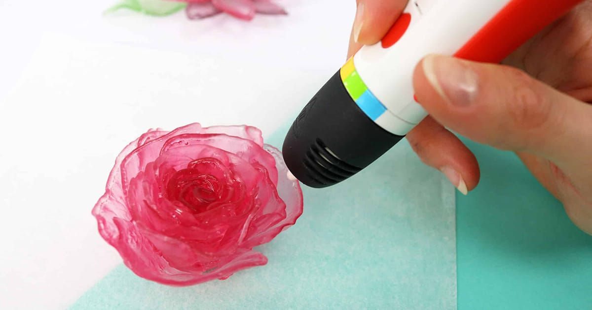 With this 3D pen you can design and draw your own instant candies